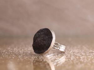 חבק אבן שחורה 6 יח'
