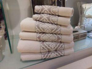 מגבת כרמן